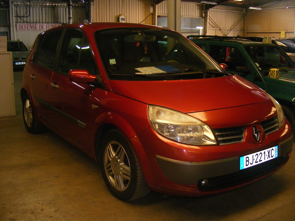 vente auto occasion marseille renault megane scenic 1 9 diesel 1998. Black Bedroom Furniture Sets. Home Design Ideas